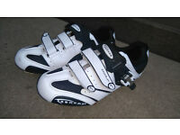 Serfas Podium Road ShoesThe road bike shoe size (EU)43 can deliver or post!