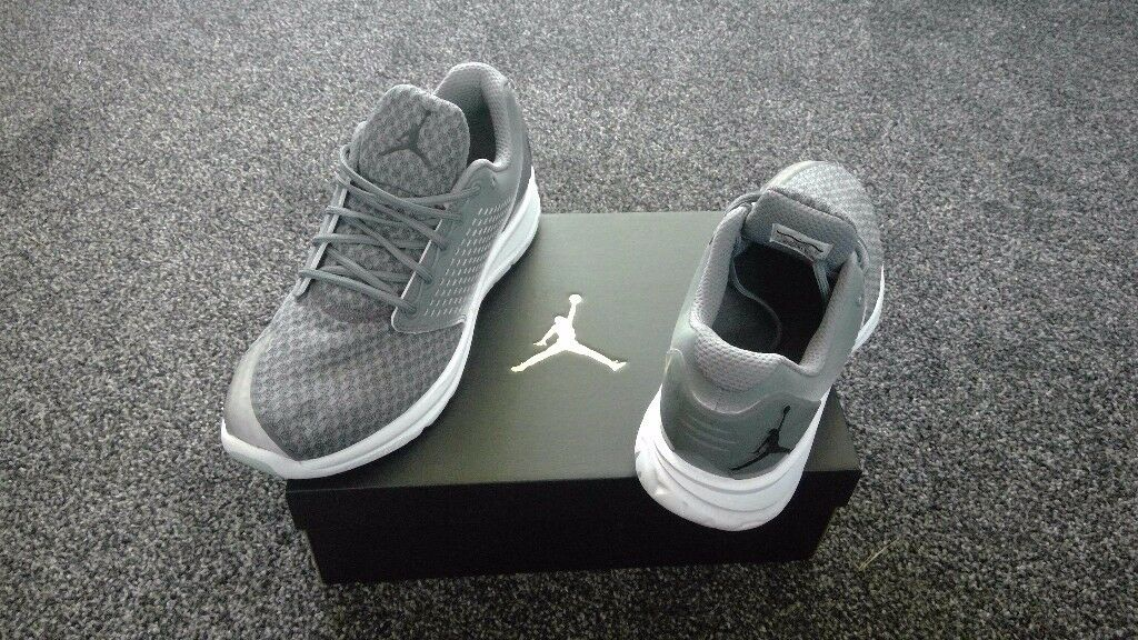MENS JORDAN TRAINERS..BRAND NEW WORN ONCE..GREY,WHITE,BLACK..£40..COLLECTION ONLY