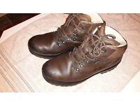 Berghaus/Brasher Hillmaster hiking boots size 9