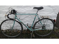 vintage men road bike perfectly fine