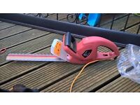 b and q hedge trimmers