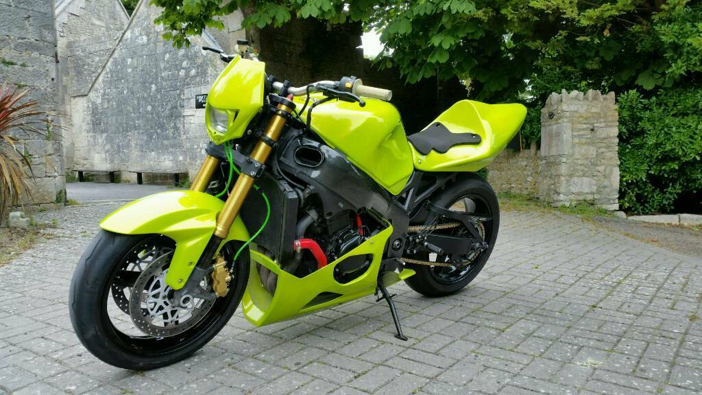 Suzuki gsxr 750 k5 custom streetfighter | in Portland, Dorset | Gumtree