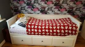 Single - double bed and storage solution + 2 mattress