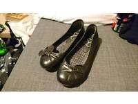 Size 5 Evans black shoes