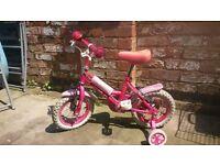 girls bike + stabiliser wheels