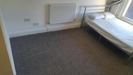 BRAND NEW 1 BEDROOM STUDIO FLAT, INCLUDING BILLS, FURNISHED, LONDON RD NEAR TRAIN STATION £140 PW