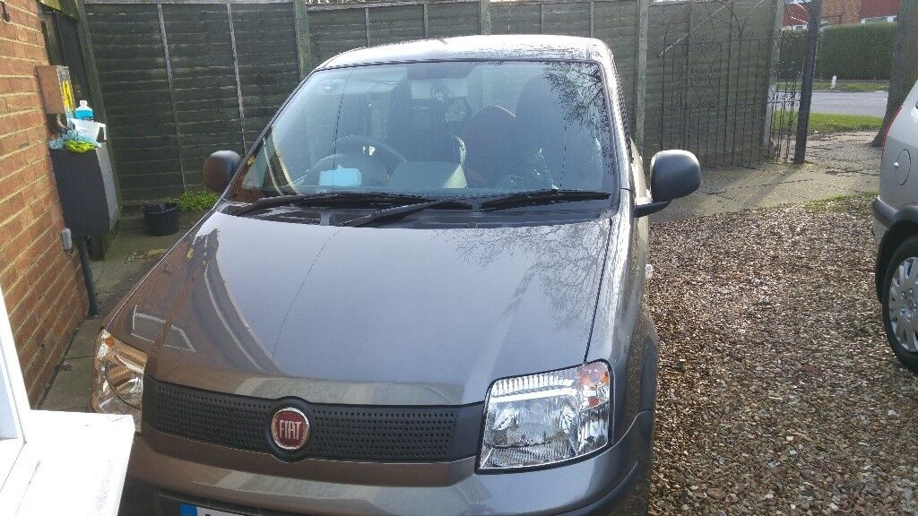 2011 FIAT PANDA ONLY 33000 MILES ON CLOCK AND £30 ROAD TAX