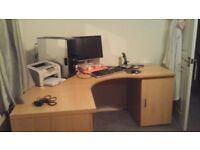 Corner work station - beech effect
