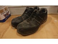 Size 9 safety Trainers