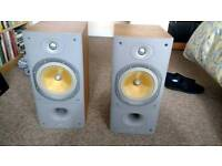 Bowers and wilkins 602 s3 bookshelf speakers
