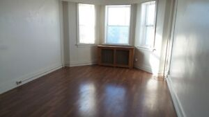 2 Bedroom Apartment Rental near Cathedral Area- 2231 Albert St.