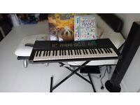 Yamaha Electronic Keyboard and Stand