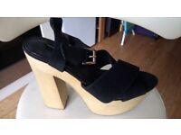 New Top Shopfaux suede black sandals