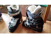 Salomon Divine 6 Ladies Ski Boots size 24.