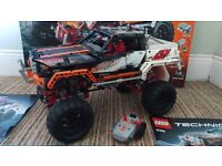 Remote Controlled LEGO Technic 9398: 4X4 Crawler