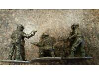 WW2 METAL TOY SOLDIERS