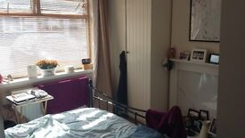 Large Double Room (Parkstone Nr Ashley Cross)