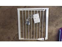 Lindam stair gate. White. No drilling required. Excellent condition