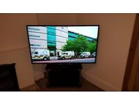 """Sony Bravia KDL-60W605B 60"""" 1080p 2K HD LED Internet - smart TV in excellent condition with stand"""