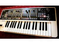 ROLAND GAIA SH01 AS NEW SYNTHESIZER STUDIO USE ONLY. boxed with power supply dvd and manuals