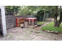 Pallets-free to collect