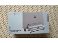 satechi aluminium vertical laptop stand - silver