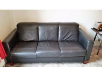2 Black Leather Sofa's Large 3 Seater and 2 Seater In Good Condition