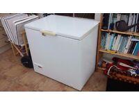 Chest Freezer 95x70x89cm