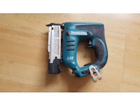 Makita 18v DPT351Z Cordless Pin Nailer - body only ( US number XTP01 )