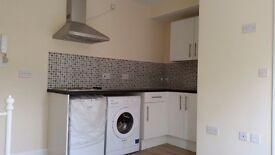 DOUBLE STUDIO FLAT TO LET IN SEVEN SISTERS