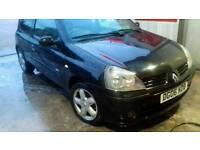 Renault clio in black motd nov