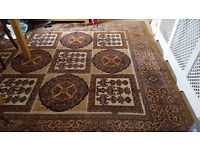 Beautiful Traditional Pure Wool Rug for a Large Room