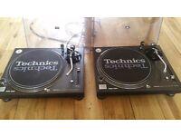 2x Technics SL-1210M3D Turntables