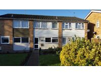 HAINAULT - Three Bedroom House close to Central line station