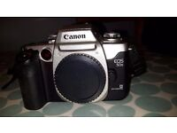 Canon EOS 50E 35mm Film Camera with 28-105mm Zoom Lens. Boxed (In Near Mint Used Condition)