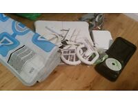 NINTENDO WII WITH CONTROLLER, ACCESSORIES & VARIETY OF GAMES