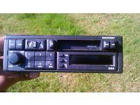 Landrover audio radio . Land rover discovery original cassette player .