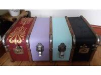 Vintage / Antique Steamer Trunk, Suitcase, Storage, Table