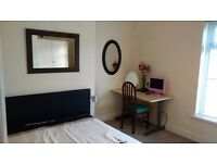 One double-bed room in city centre (HU1), £75/wk include all bills +TV+internet