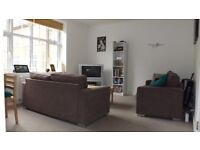 2 double bedroom apartment with communal gardens 2 minutes from Streatham hill station