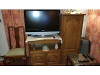 Samsung 32 ins LCD TV / Sagem Freeview Box/ plus Oak Cabinet