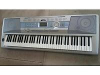 Yamaha Dgx-200 Piano keyboard in good working order - 76 Keys