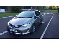 Toyota AURIS Excel HYBRID Hatchback AUTO 5dr 63 Plate 2013 - TOP OF THE RANGE