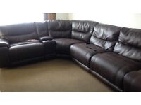QUALITY LARGE BROWN LEATHER CORNER SOFA WITH RECLINER SEATS AT EACH END