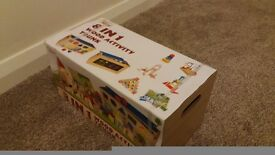 Childs building block set in wooden box - BRAND NEW