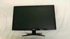 Acer 24 in LED monitor perfect condition with Logitech speakers included!