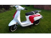2014 (14 reg) White Knuckle Balissima 50cc twist and go Scooter