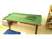 foldable Pool / Snooker table with acessories