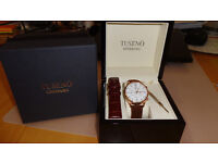 Tuseno First 42 watch - Rose gold/White