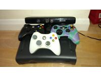 Xbox 360+ 3 controllers+ Kinect.... Full working